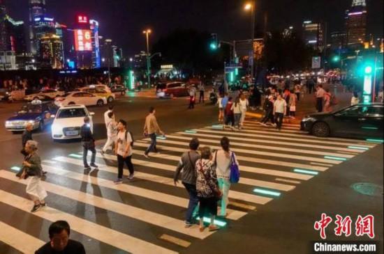 """""""高科技""""、""""大数据""""助力上海建设""""智慧城市"""""""