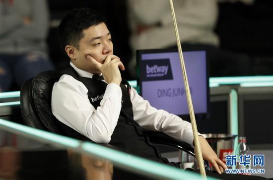 (体育)(5)斯诺克――英锦赛:丁俊晖首轮晋级