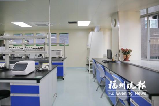 """全省医卫系统首个""""共享实验室""""启用"""