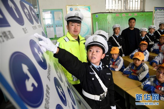 (教育)(2)山东即墨:交通安全进校园