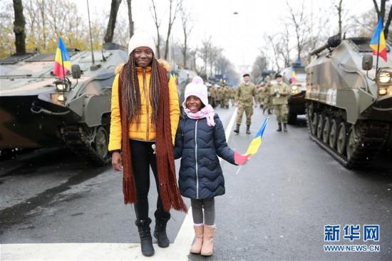 (国际)(2)罗马尼亚举行国庆阅兵式