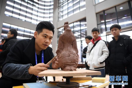 (社会)(1)重庆:传统制陶技艺大比拼
