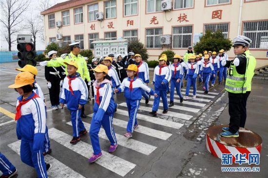 (教育)(4)山东即墨:交通安全进校园
