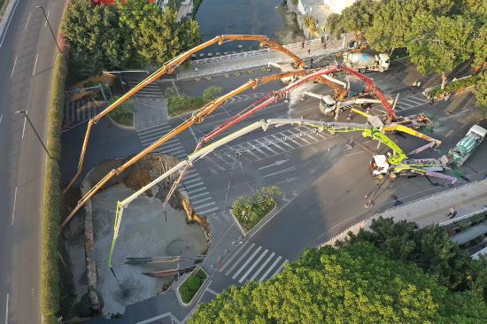 广州地铁施工区塌陷3人被困正全力组织救援