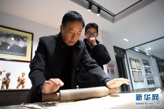 (社会)(1)2000余件陶瓷藏品亮相重庆荣昌