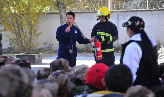 西藏军区机关幼儿园开展参观学习