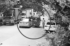 蘇州三輪車夫遭遇連環碰瓷 躲過寶馬車撞了自行車