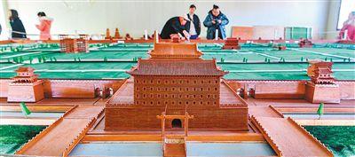 八旬老翁花20年建成一座西安城