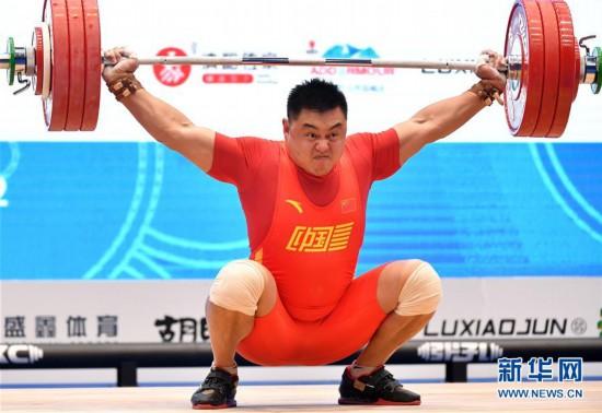 (体育)(3)举重――世界杯赛:杨哲获男子109公斤级抓举和总成绩冠军