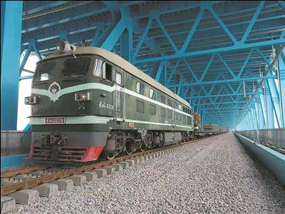 滬通長江大橋開始鋪軌 將安裝列車控制系統