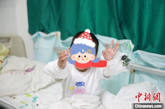 從近40米高空墜落武漢3歲女童奇跡生還