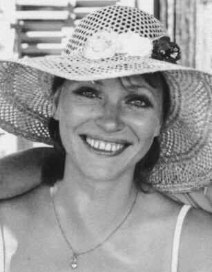 安娜・卡里娜去世享年79岁 曾获银熊奖最佳女演员