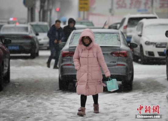 暴雪�{色�A警解除:黑��江、吉林