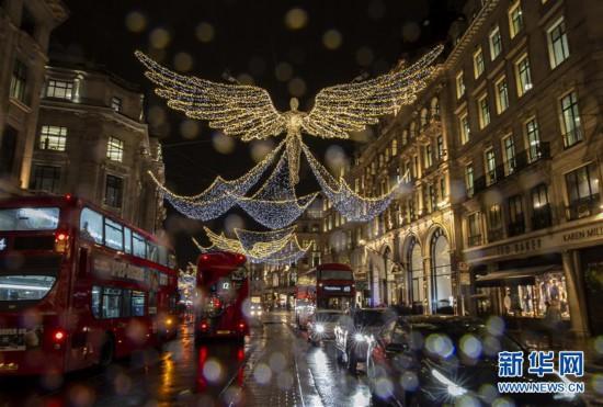 (国际)(3)伦敦绚丽彩灯点亮缤纷新年
