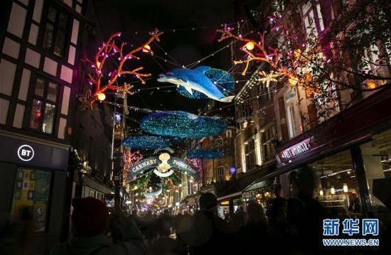 (国际)(1)伦敦绚丽彩灯点亮缤纷新年