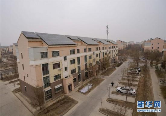 """(社会)(1)新疆吐鲁番打造戈壁滩上的""""微电网"""""""
