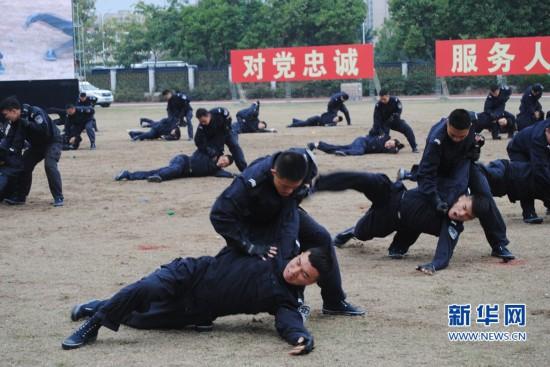 福建警方:沙场冬点兵 砺剑护安宁