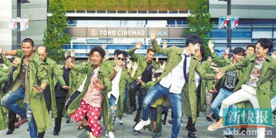 """《唐人街探案3》欢乐氛围继续""""喜卷"""" 东京大跳""""躬喜舞"""""""