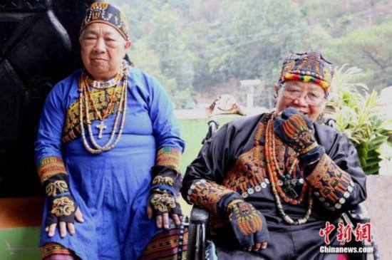 台湾写真:揭开台湾少数民族手纹的神秘面纱