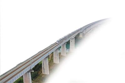 黔張常鐵路給湖南帶來什麼