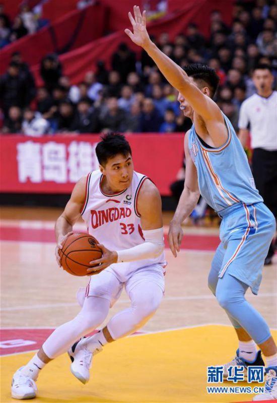 (体育)(3)篮球——CBA常规赛:青岛国信双星不敌新疆伊力特