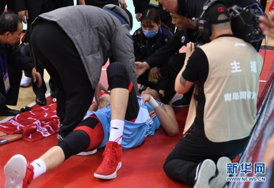 (体育)(12)篮球——CBA常规赛:青岛国信双星不敌新疆伊力特