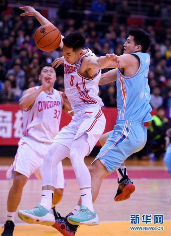 (体育)(4)篮球——CBA常规赛:青岛国信双星不敌新疆伊力特