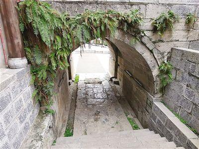 巫溪古城��揭秘既是城��又是河堤