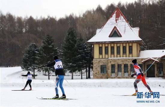 (体育)(2)全民健身——滑雪体验乐趣多