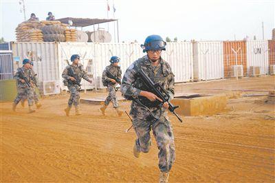 我赴马里维和工兵分队开展新年度首次防卫演练