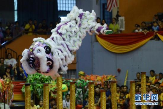 (国际)(1)马来西亚举行新春龙麒狮大团拜