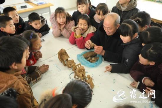 沭陽:泥塑藝術進課堂(552033)-20200113081931