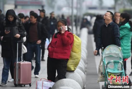 2020年中国春运:旅客踏上回家路