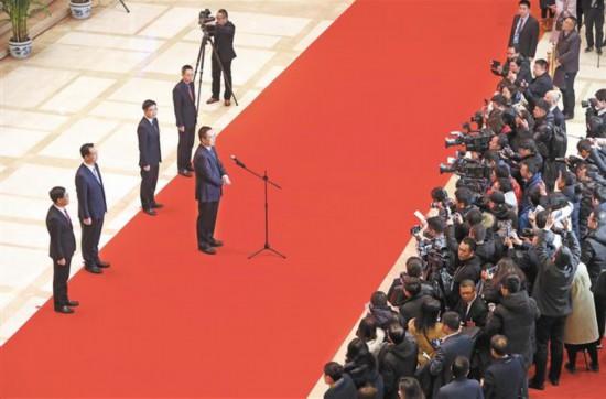 """陕西省人代会首次开启""""代表通道"""