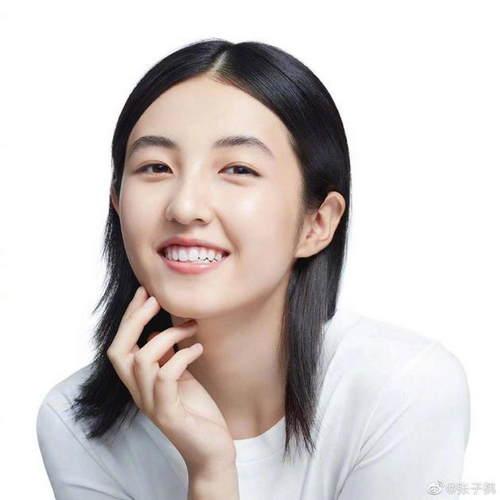 优秀妹妹!张子枫被曝获河南省表演专业统考第一名