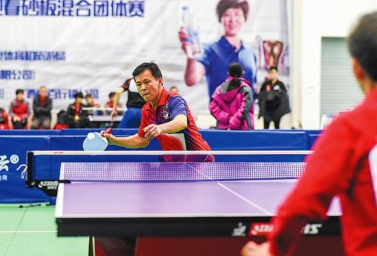 南宁乒乓球比赛上演砂板之争--广西频道--人民网
