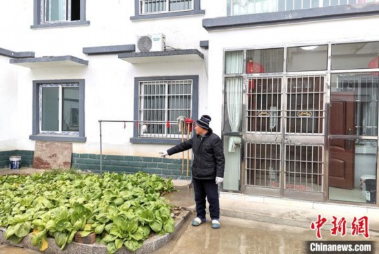 江苏阜宁农房改造:农民住新房不丢乡愁 家门口还能上班 今后会越过越好