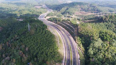 省道S304琼中县城区段建成通车