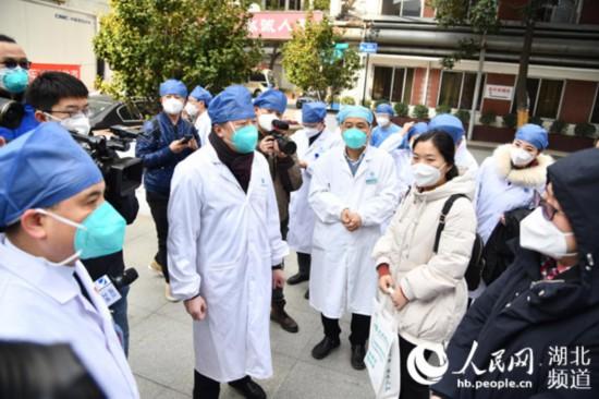 华中科技大学附属协和医院首批3名医护人员出院