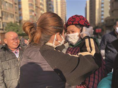 苏州热心市民免费派送2000多只口罩