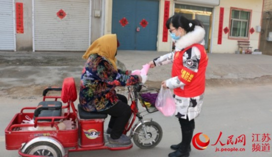 东海年轻母亲生完孩子不足百日就投身抗疫一线