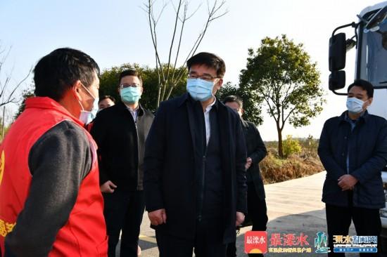 薛凤冠:织密扎牢防线 有效开展疫情防控工作
