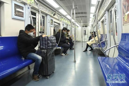 (聚焦疫情防控・图文互动)(1)北京节后首个工作日:交通秩序井然 市场供应稳定