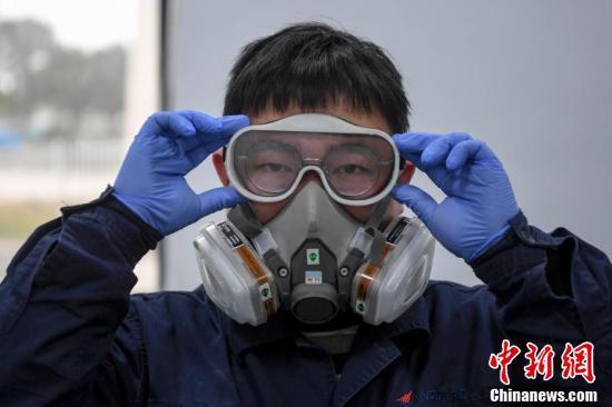 3Dプリントを用い医療用防護ゴーグルを生産する湖南省企業
