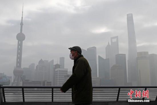 上海迷雾笼罩 气温冷热交替剧烈起伏