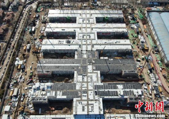 新しく建設された病棟エリア(上空から撮影・毛建軍)。