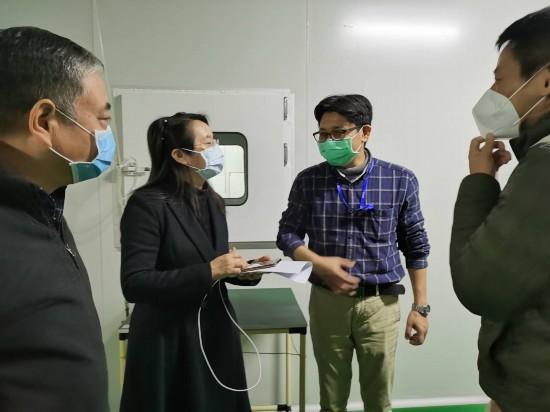 南寧檢查分局對廣西佳微科技股份有限公司擬生產醫用口罩項目進行現場業務指導。.jpg