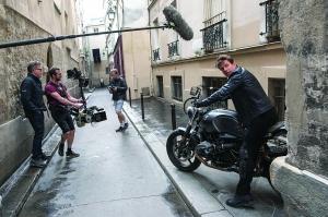 汤姆·克鲁斯《碟中谍7》拍摄暂停 时装周、剧院、电影片场纷纷停摆