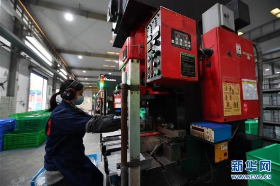 (經濟)(2)江西南昌:安全防疫 平穩生產