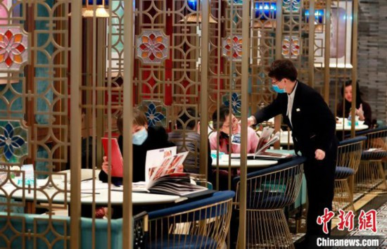 上海市の一部のレストランで店内での食事が可能に